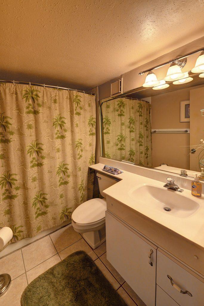Hawaiian Inn 436